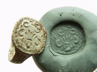 Post-medieval bronze seal-ring with pseudo heraldic image (349).