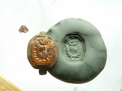 Post-medieval bronze seal-ring with pseudo heraldic image (322).