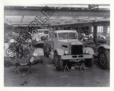 STERLING TRUCKS 1944 Milwaukee FACTORY 'ASSEMBLY FLOOR' 8x10 B&W GLOSSY PHOTO