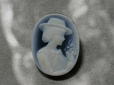Beauty Hand CARVING CAMEO ~40mm*30mm.(ec890)