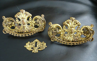 Brass Drawer Pulls & Keyhole Escutcheon (3 pieces) Fleur di lis Ornate Vintage