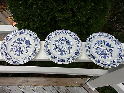 BLUE DANUBE Blue Onion Set Of Three Bread And Butter Plates Banner Mark