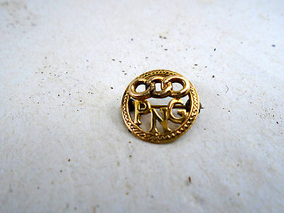 Past Noble Grand Odd Fellows Triple Link PNG Lapel Pin 10k Yellow Gold Rebekah
