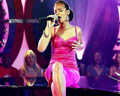 Rihanna 8X10 Photo Picture Pic Hot Sexy Candid 17