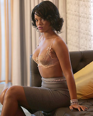 Rihanna 8X10 Photo Picture Pic Hot Sexy Body In Lace Bra Tight Skirt 99