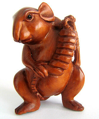 "Q4029 --- 2 "" Hand Carved Boxwood Netsuke - Wealthy Mouse Rat"