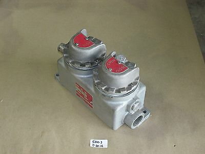 New Crouse Hinds Ewc321P S454V Push Button Selector Switch -  Hazardous Location