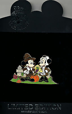 DISNEY MICKEY & MINNIE MOUSE Thanksgiving LE 350 Pin on Pin New On Card