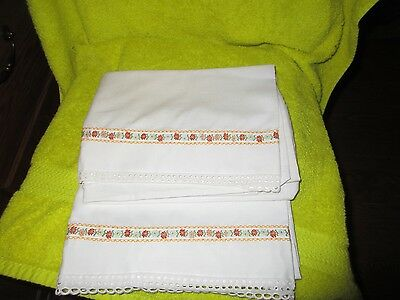 Vintage Pair Standard Size Embroidered Crocheted Trimmed Pillow Cases