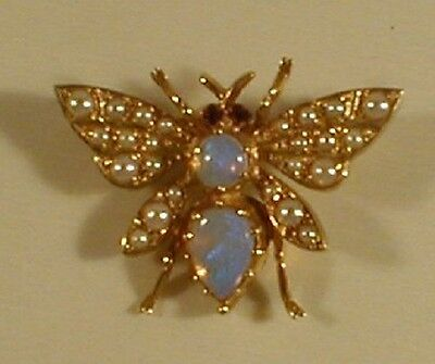 9 Carat GOLD HALL MARKED CULTURED PEARLS & OPAL BROOCH