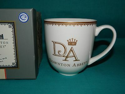 2014 Downton Abbey Large 14 Oz Ceramic Coffee Mug Crest MIB White/Gold Mint/Box
