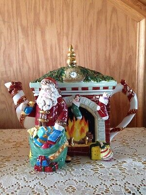 Waterford Holiday Heirlooms Fireside Holiday Teapot 2nd Edition Xmas Santa