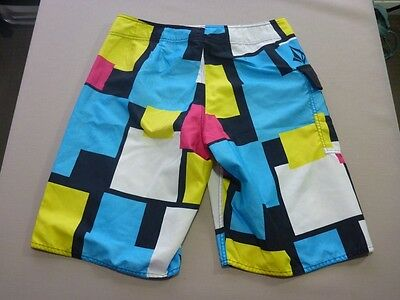 116 Mens Ex-Cond Volcom Hot Pink / Blue / Blk Patterned Boardshorts 33 $80 Rrp.