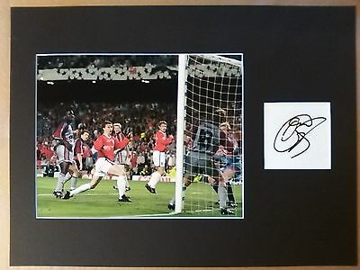 Ole Gunnar Solskjaer Hand Signed Manchester United Display AFTAL COA Football