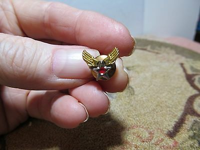 """WWII era US Army Air Corp """"Winged Star"""" uniform lapel pin."""