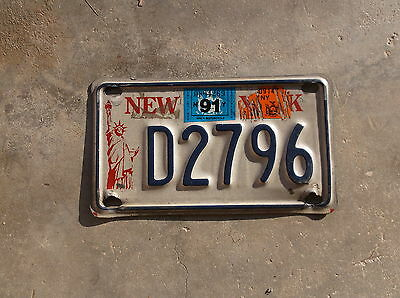 New York 1991 Statue of Liberty motorcycle License Plate  # D 2796