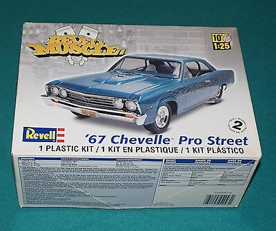 1967 Chevy Chevelle Pro Street Revell 1/25 Complete & Unstarted.