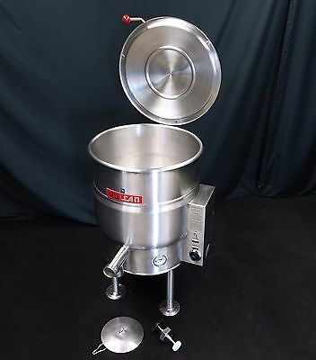 Vulcan 20 Gallon Electric Steam Jacketed Kettle W/ Draw Valve & Lid 208V 40 60