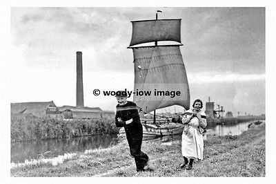 pt8125 - Crowle Barge with sail Oct 1936 , Yorkshire - photograph 6x4