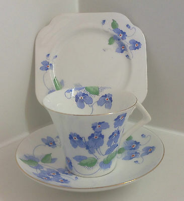Lovely Colclough Art Deco Hand Painted English Bone China Floral Tea Set Trio.