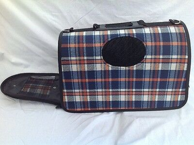 Pet Carrier For A Cat Or Small Dog EXCELLENT CONDITION