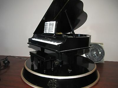 Mr Christmas Grand Piano Symphonique Moving Keys Disc Player Music Box