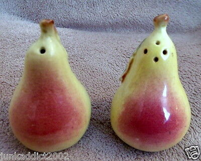 Darbyshire Australian Pottery - Pears - Salt & Pepper Shakers