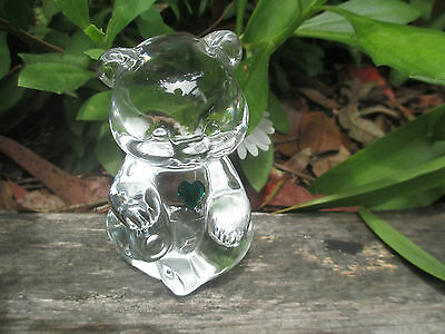 Beautiful Little Fenton Glass Bear With Green Heart - Excellent Condition