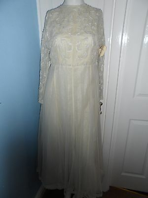 Bnwt new meena bazaar vintage off white wedding dress plus shawl size 10/12 ?