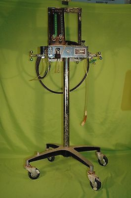 Nice DUPACO Model 78 Anesthesia Apparatus with Wheels