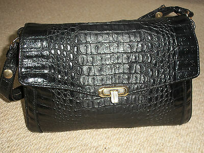 STUNNING VINTAGE/RETRO 1960's BLACK MOCK CROC SOFT FAUX LEATHER SHOULDER BAG