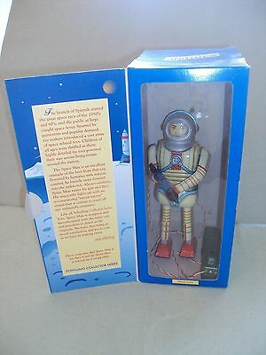 Schylling Space Man Tin Battery Operated Remote Control Robot w/ Box