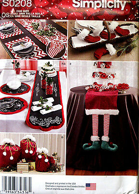 Simplicity Christmas Table Runner Gift Bags Placemat Ornament Pattern 208 8032