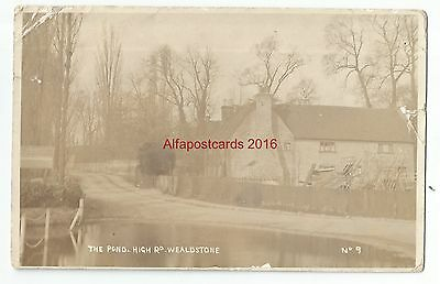 Middlesex Wealdstone High Road The Pond Real Photo Vintage Postcard