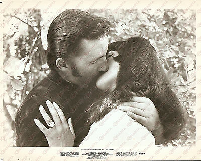 1967 THE GLORY STOMPERS Movie by Anthony M. LANZA Biker kissing a girl *Photo