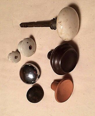 7 Vintage Door and Drawer Knobs, Varied lot