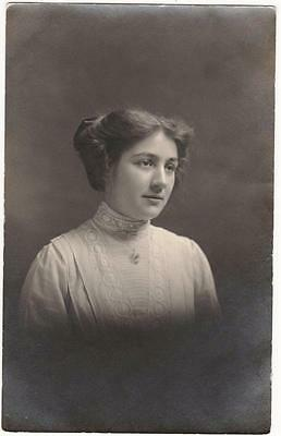 Vintage Studio Postcard,hall & Siggers,keighley,young Lady,delightful Fashions