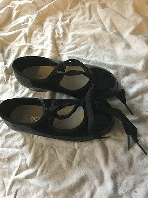 Dance girls  black Tap shoes Size 9 Toddler With Ties