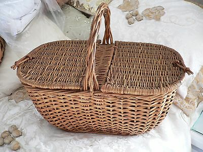 Vintage Picnic Hamper Basket In Perfect Condition