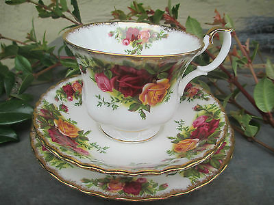 Beautiful Royal Albert Trio - Old Country Roses - Made In England - Perfect