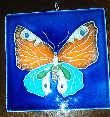 ATTRACTIVE GLAZED BUTTERFLY POTTERY TILE  - Ready to hang - see description