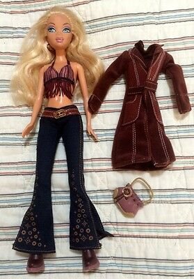 MY SCENE BARBIE Doll with Outfit