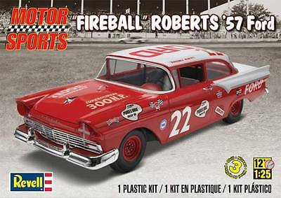 "Revell Monogram ""Fireball"" Roberts 1957 Ford  Model Kit 1/25"