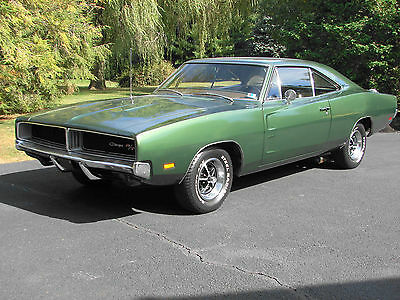 1969 Dodge Charger R/T Hardtop 2-Door 1969 DODGE CHARGER R/T 440 4 SPEED DANA 60 A33 TRACK PAK MATCHING NUMBERS CAR