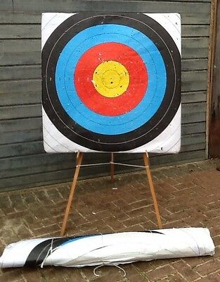 PRICE REDUCED for XMAS Archery target set with easel and spare roundels