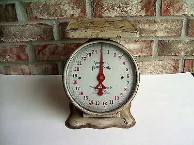 Vintage AMERICAN FAMILY SCALE Rusty Distressed Functional Decor 25 lb Capacity