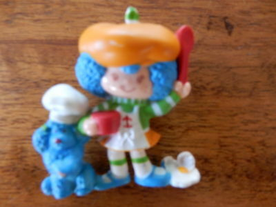 "Vintage Strawberry Shortcake PVC Figurie ""Crepe Suzette"" Gardening  2"""