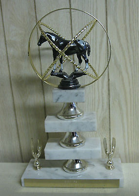 Collectible 1975 Oahe Grand Champion Sphere Marble Horse Trophy