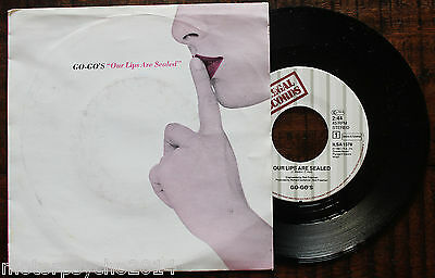 Go-Go's: Our Lips are sealed/Surfing and spying - 7'' Single - Belinda Carlisle