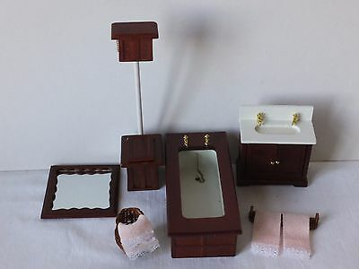 Dolls House Furniture - Job Lot Bathroom Suite & Accessories